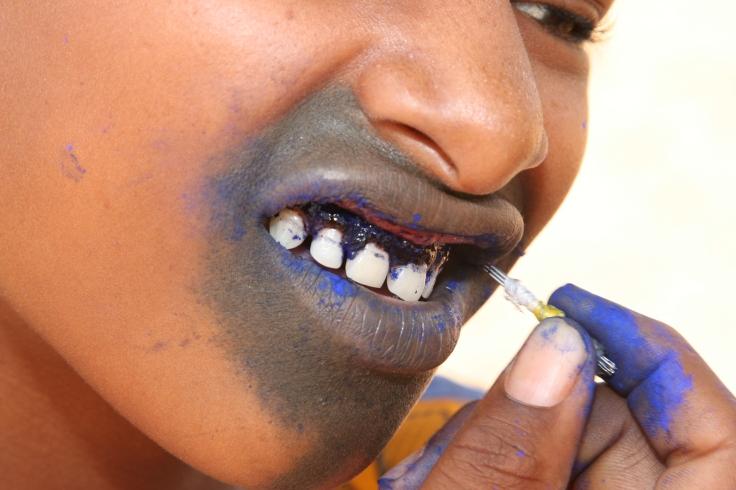 Fula_mouth_tattoo_closeup.jpg